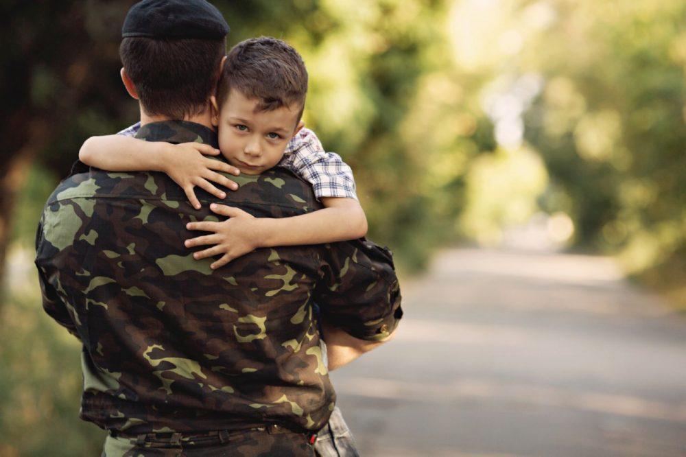 Комиссуют ли из армии раньше срока при рождении второго ребнка
